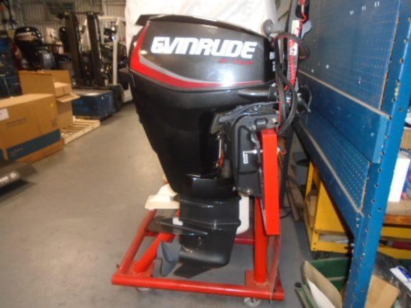 Evinrude 25 Hp >> Evinrude 25 Hp Etec Tiller Electric Start Power Trim 20 Inch Shaft Dealer Demo